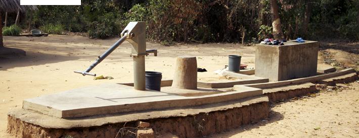Der zentrale Treffpunkt im Dorf. Hier gibt es frisches Wasser und die Möglichkeit Kleidung zu waschen